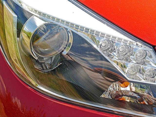 pčední světlo červeného auta