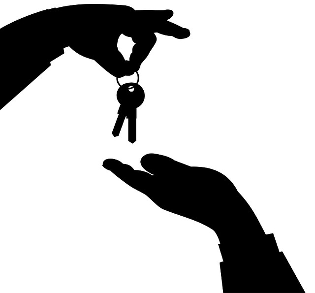 podání klíčů.jpg